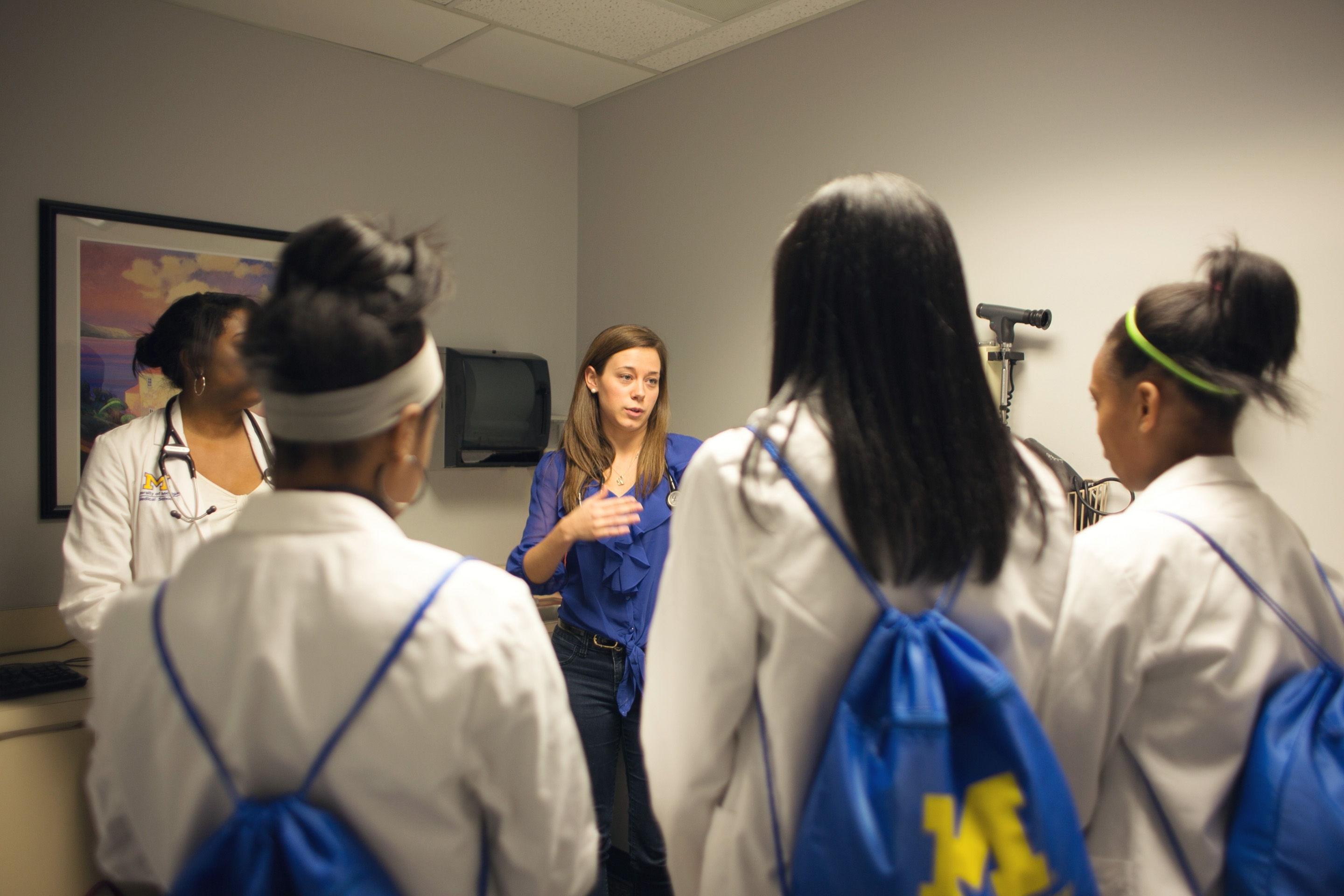 Program Connects Detroit High Schoolers with U-M Med Students